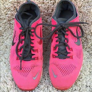 Nike free 5.0 shoes size 7